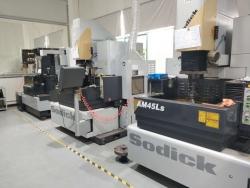 cnc精密加工设备-沙迪克电火花机